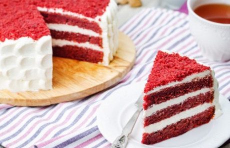 Cutting Red Velvet Cake - Ultrasonic Food Cutting Machines